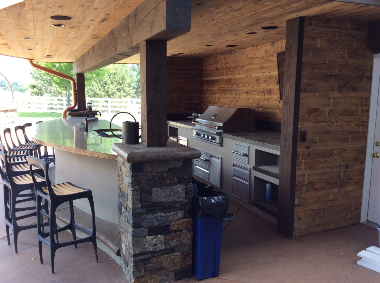 Outdoor kitchens hi tech appliance Outdoor kitchen equipment