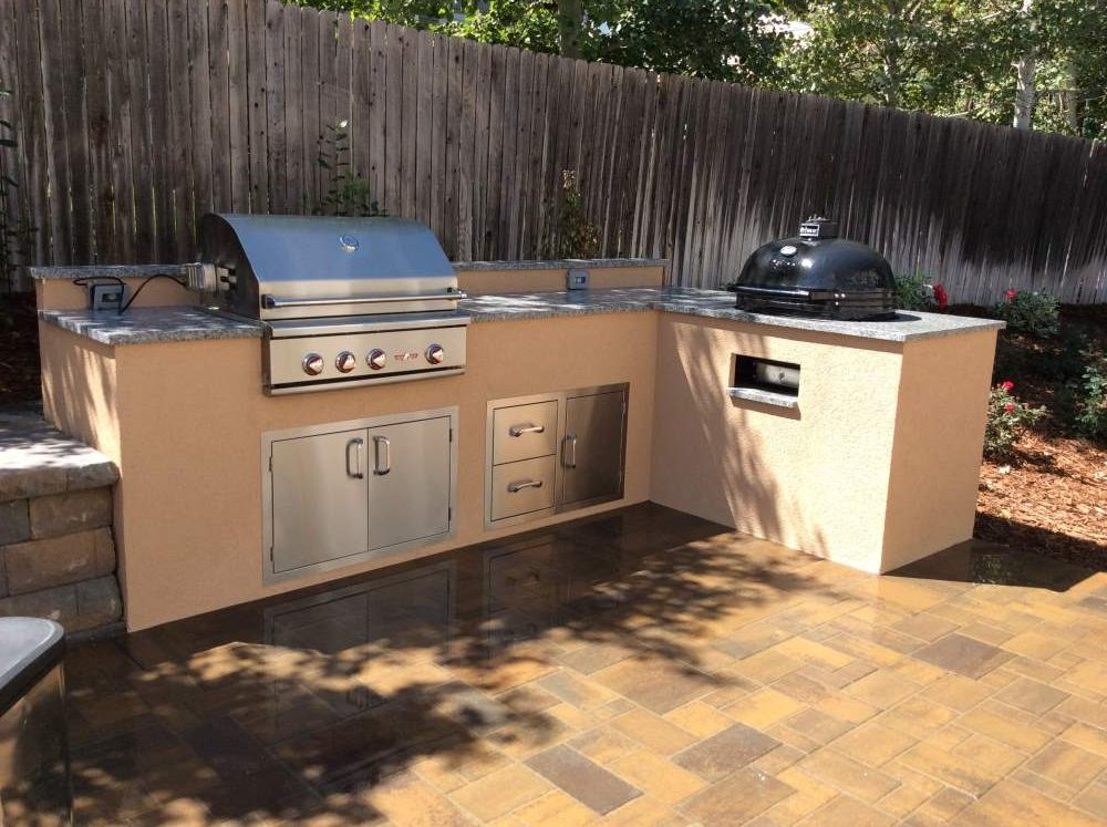 Outdoor kitchens hi tech appliance for Outdoor kitchen grill cabinets