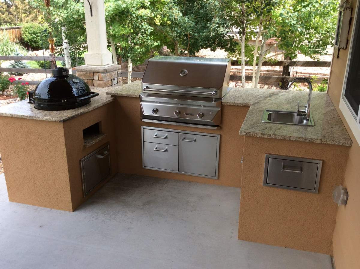 Custom Outdoor Kitchen With Pimo Smoker Grill Hi Tech