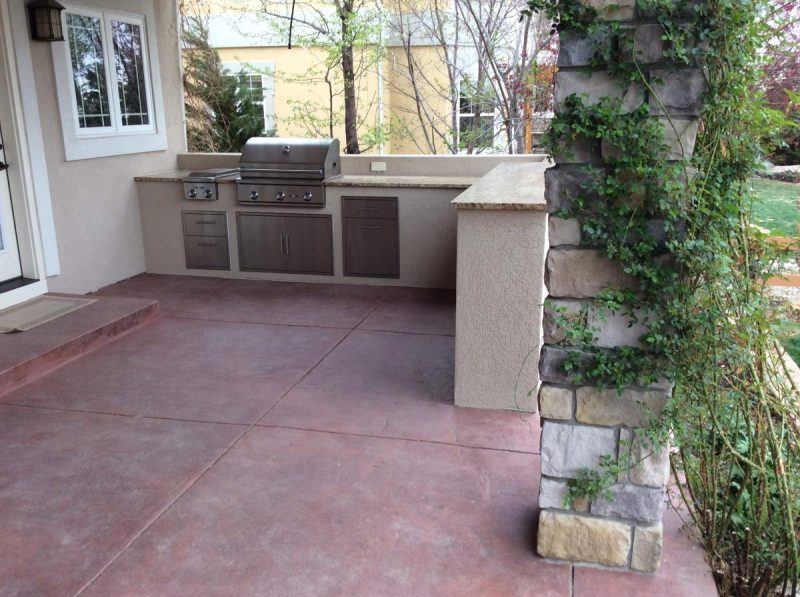 outdoor kitchen flooring options