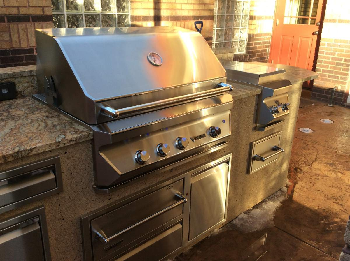 High Quality Deluxe Outdoor Kitchen In Denver,Co With Built In Twin Eagles Gas Grill