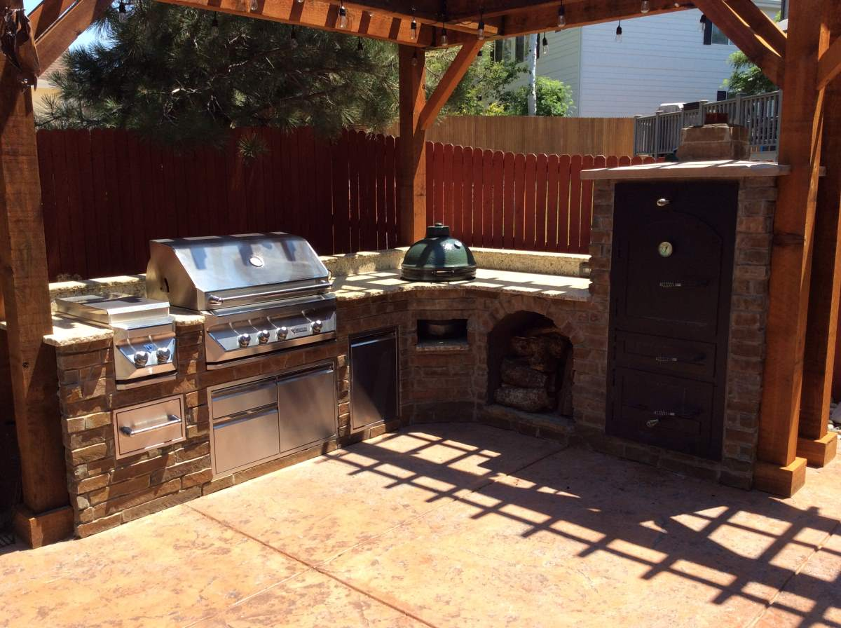 Outdoor kitchens hi tech appliance for Outdoor kitchen smoker plans