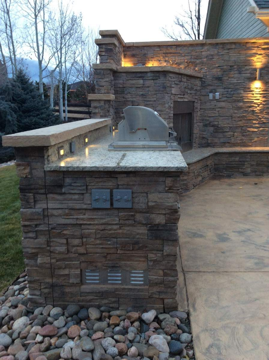 Outdoor Kitchen And Fireplace In Lafayette Co Hi Tech