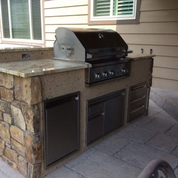 Related Affordable Outdoor Kitchen