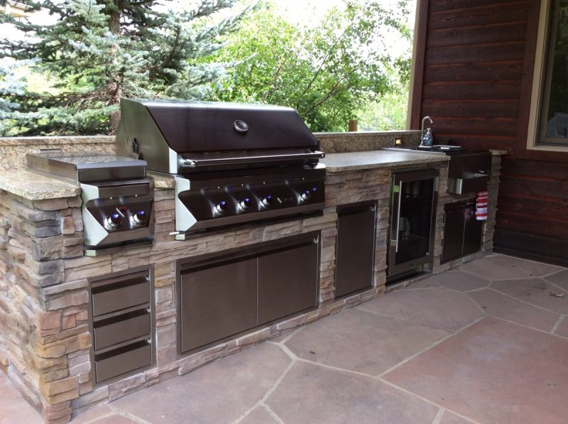 best outdoor kitchen, high-end appliances in Colorado