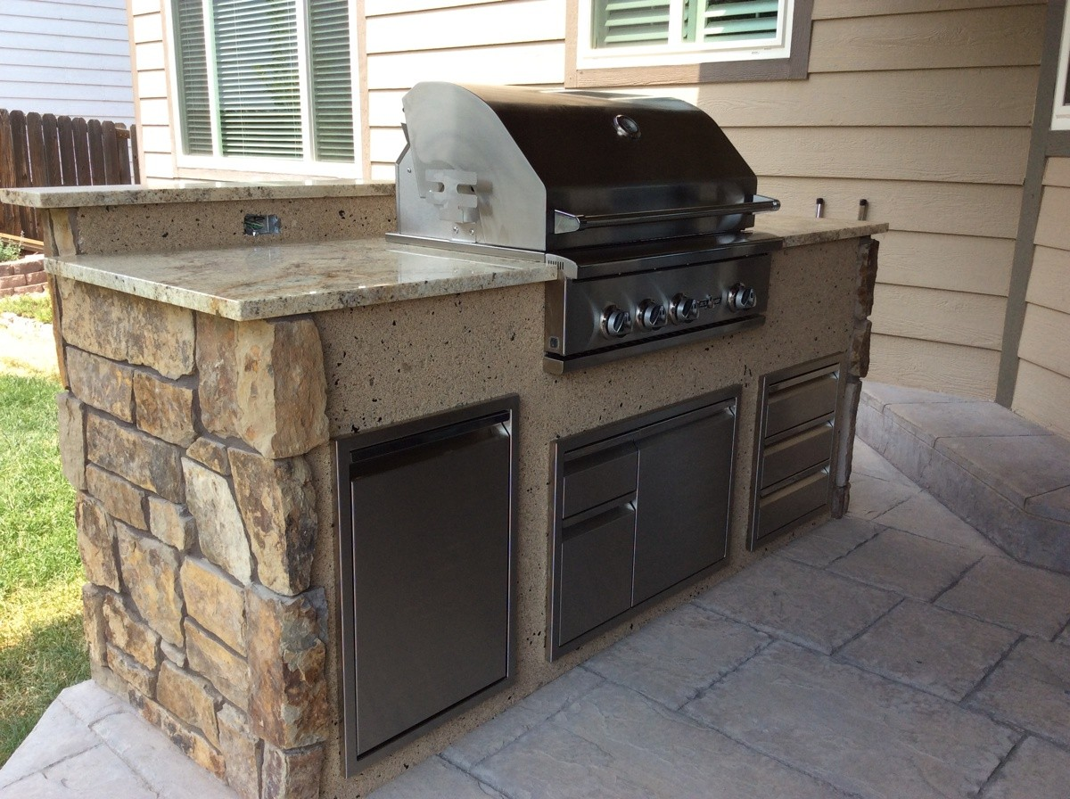 Why We Like To Use Stone Veneer For Outdoor Kitchens Hi Tech Appliance