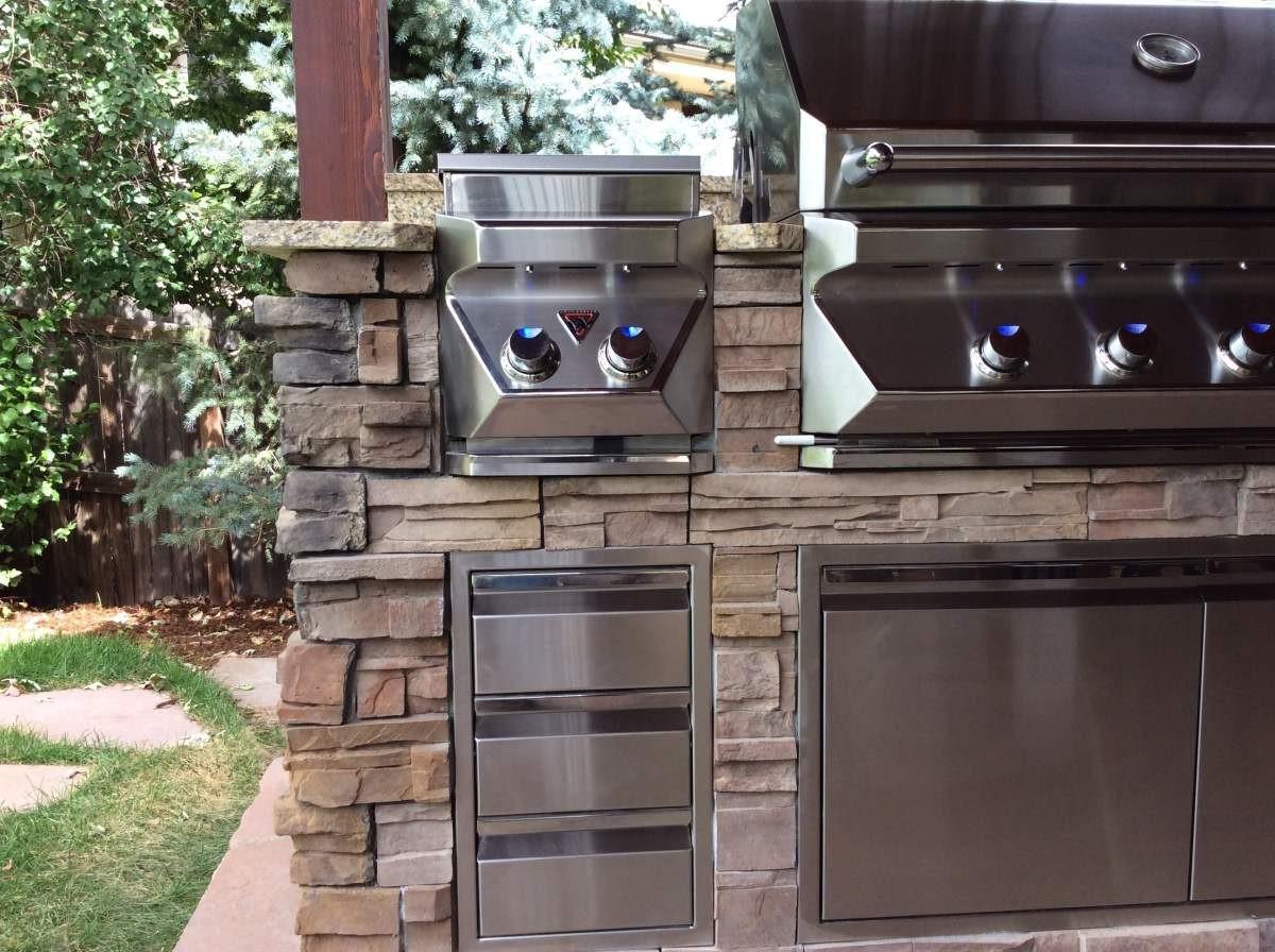 Outdoor Kitchen BBQ