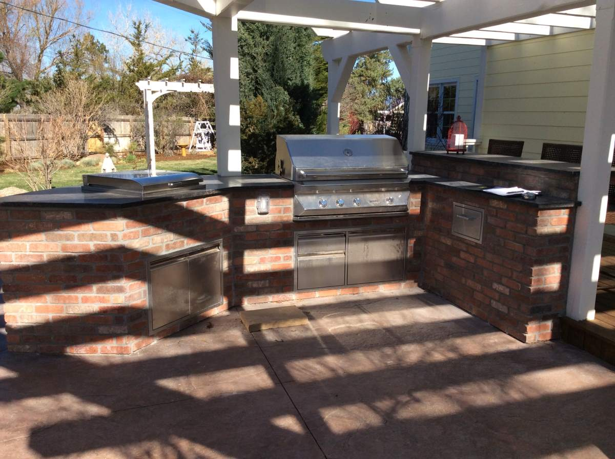 Brick Outdoor Kitchen Island in Superior, Co – Hi-Tech Appliance
