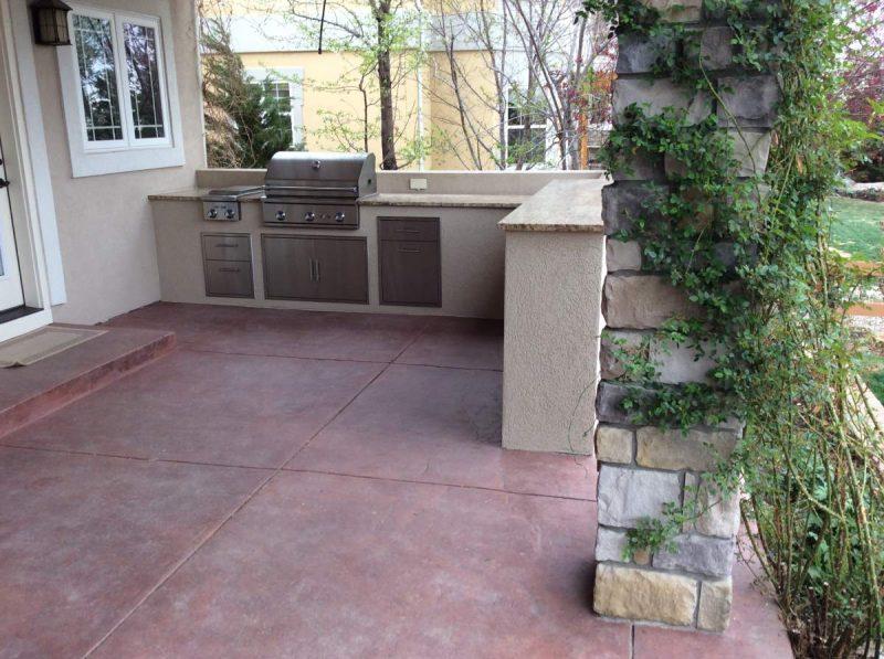 outdoor kitchen flooring options