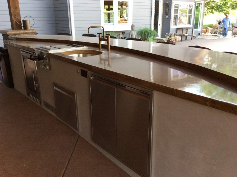 Selecting a Sink for Your Outdoor Kitchen