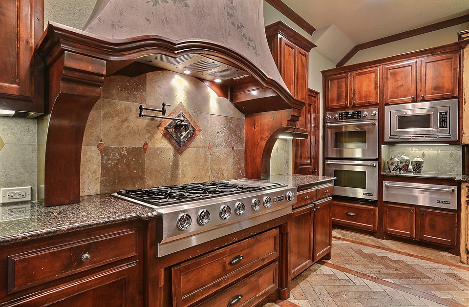 kitchen design trends showing wooden cabinets